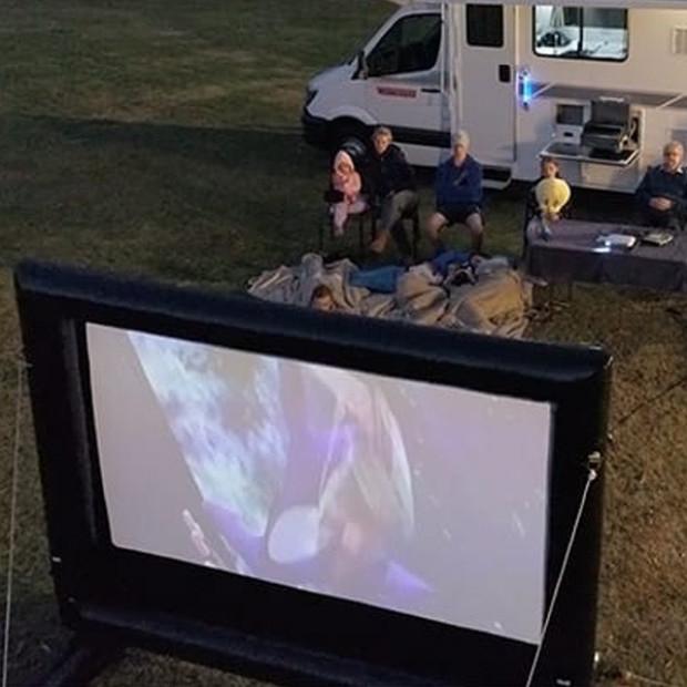 HandiTheatre Explorer Camping Outdoor Cinema Projector Screen